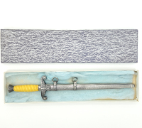 Boxed 3/4 size Alcoso  Army dagger w Presentation mark