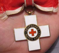 Red Cross (DRK) Honor Badge 1st Model