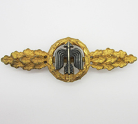 Gold Short Range Day Fighter Clasp