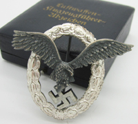 Cased Luftwaffe Pilot Badge by Assmann