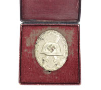 Cased Silver Wound Badge by L14