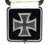Matching Cased 1st Class Iron Cross Screwback by L/14