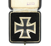 Cased 1st Class Iron Cross by L/18