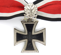 1957 Version ‐ Knights Cross with Oak Leaves and Swords