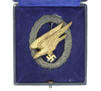 Cased Luftwaffe Paratrooper Badge by S&L