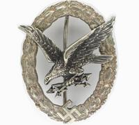 J1 – Radio Operator/Air Gunner Badge by Juncker