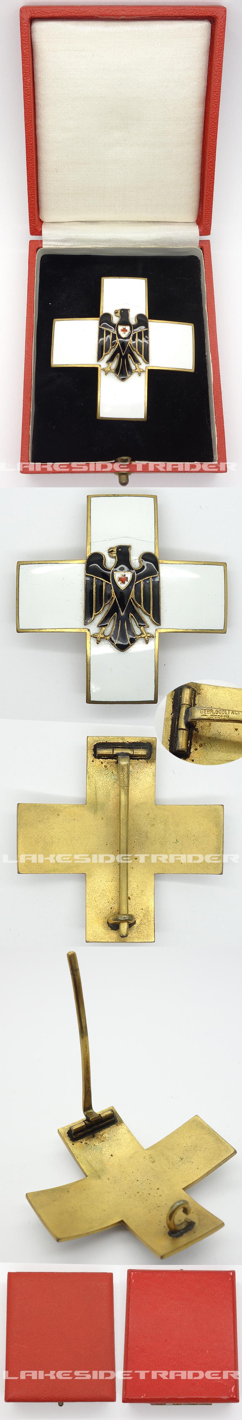 Cased Red Cross Honor Award 2nd Model, (1934-1937) by Godet