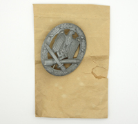 General Assault Badge in issue envelope
