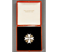 1st Pattern - Cased 2nd Class Eagle Order 1937