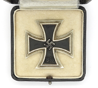 Cased 1st Class Iron Cross by 7