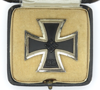 Cased 1st Class Iron Cross by 26