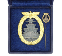 Cased High Seas Fleet Badge and Miniature
