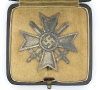 Cased 1st Class War Merit Cross by L15