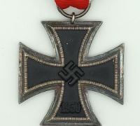2nd Class Iron Cross by 70-Lind & Meyrer