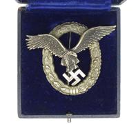 Cased Luftwaffe Pilot Badge by Juncker