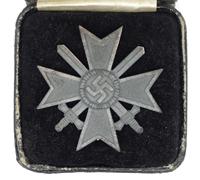 Cased 1st Class War Merit Cross by 62