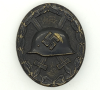 Black Wound Badge w missing Catch
