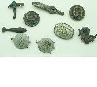 9 assorted tinnies